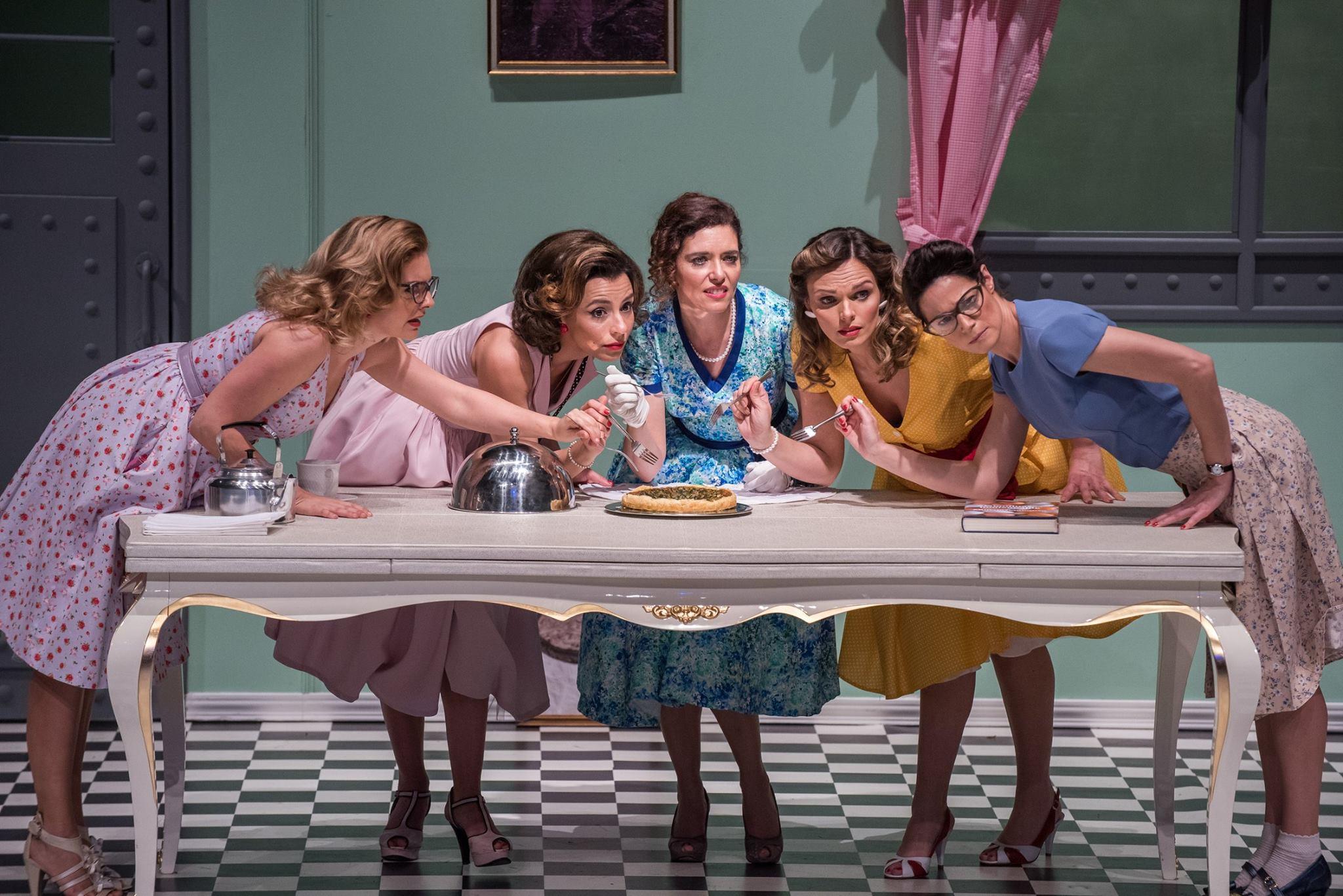 Ana Paula Rocha - Teatro – 5 lésbicas e 1 quiche – Abril 2018 - 002