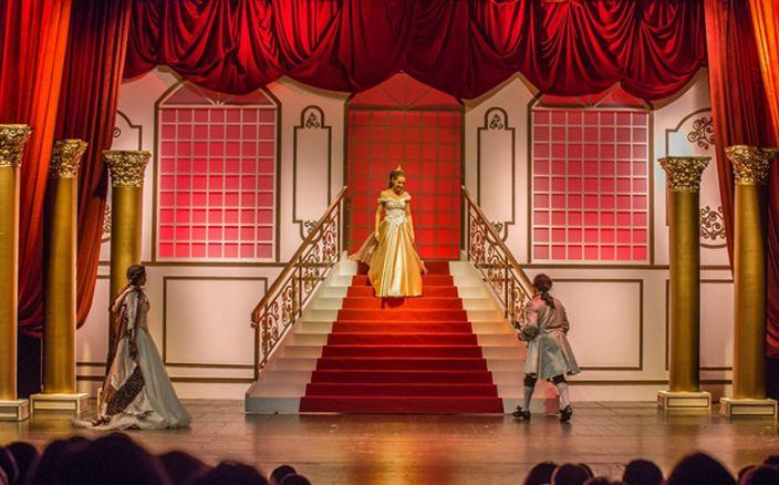 Ana Paula Rocha - Teatro - A bela e o monstro – Novembro 2014 - 001