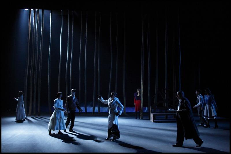 Ana Paula Rocha - Teatro - Dança de roda - Março 2012 - 001