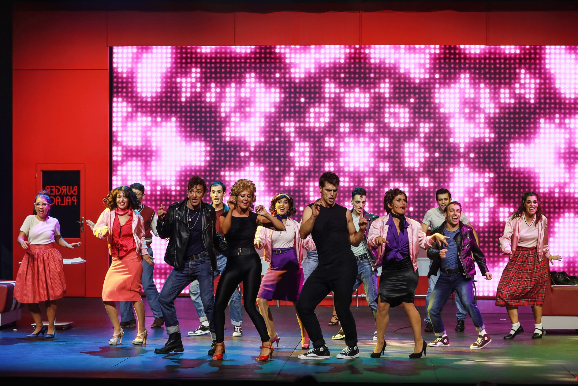 """<span  class=""""uc_style_uc_tiles_grid_image_elementor_uc_items_attribute_title"""" style=""""color:#ffffff;"""">Ana Paula Rocha - Teatro - Grease - Setembro 2018 - 002</span>"""